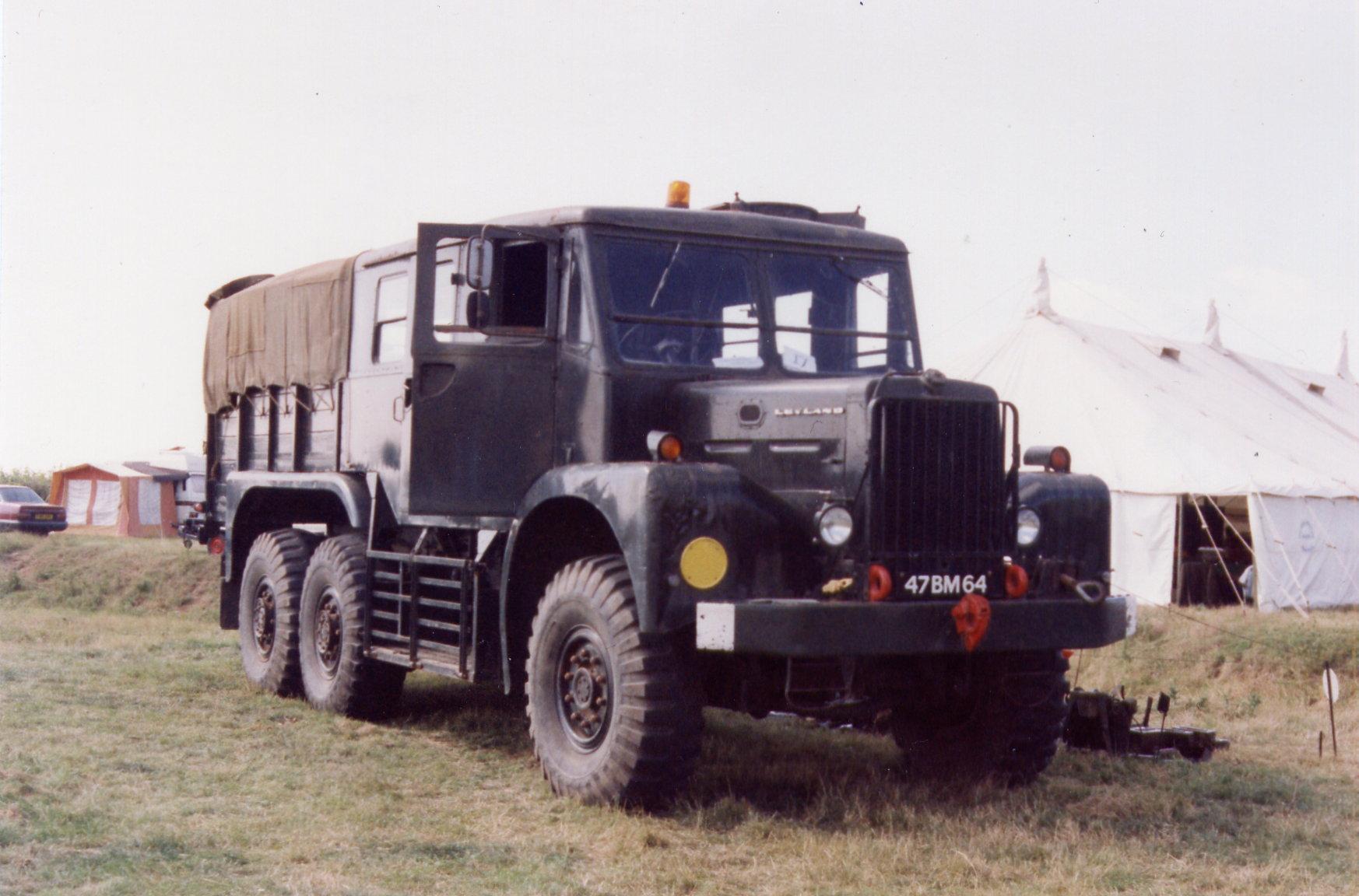 leyland-martian-10ton-artillery-tractor-47-bm-64.jpg