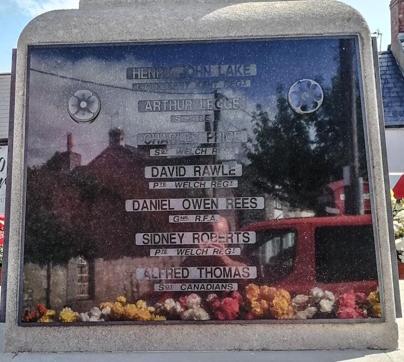 Llantwit Major, War Memorial (4) (Custom).jpg
