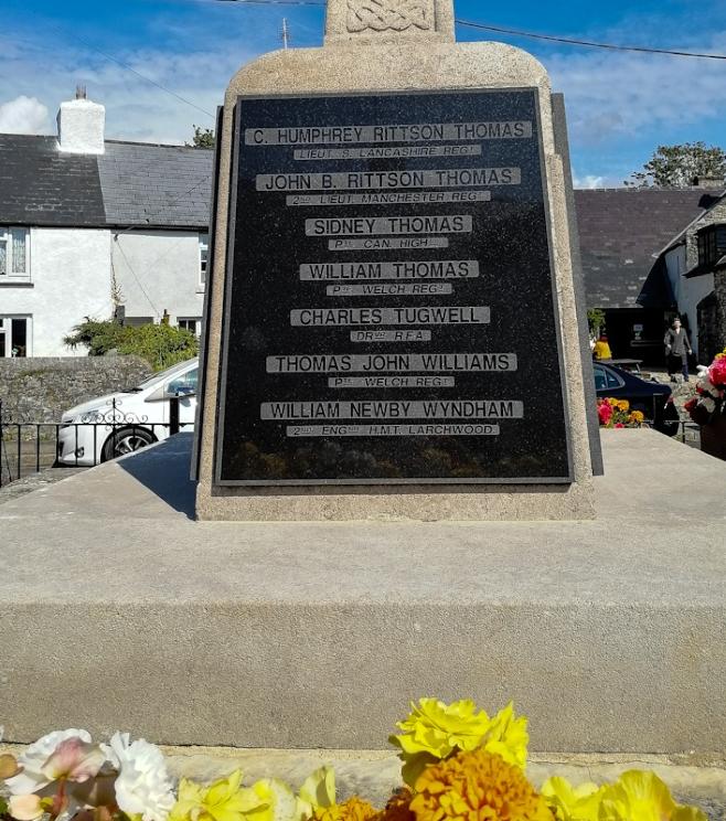 Llantwit Major, War Memorial (5) (Custom).jpg