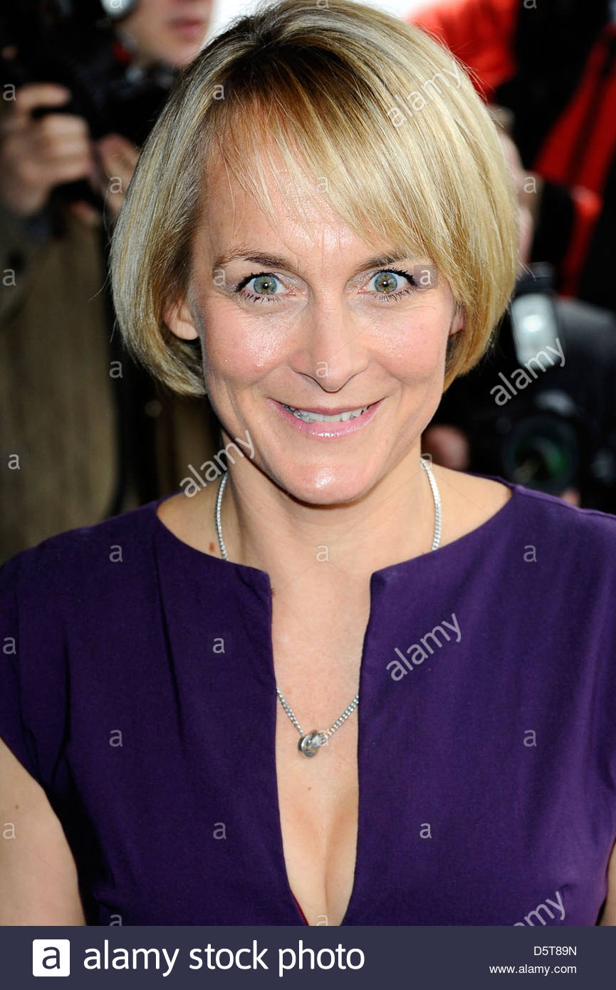 louise-minchin-the-tric-awards-held-at-the-grosvenor-house-arrivals-D5T89N.jpg
