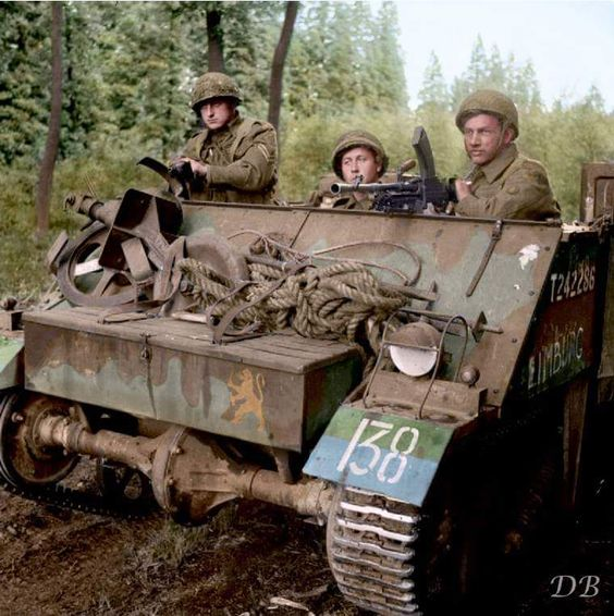 Loyd Carrier of the Prinses Irene Brigade, Royal Netherlands Motorized Infantry. September 18 ...jpg