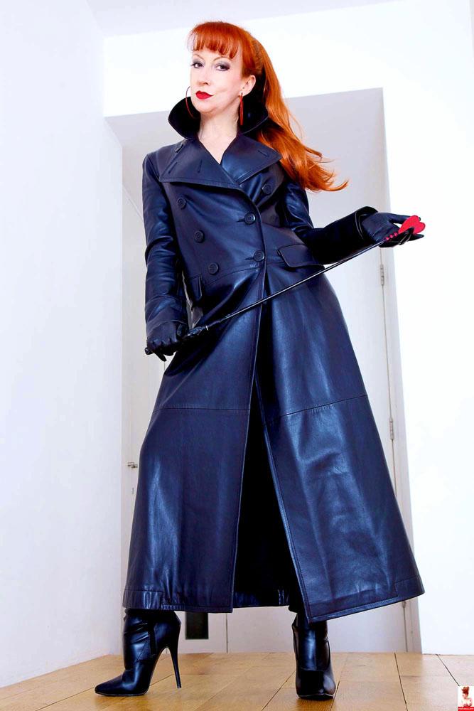 Mature-Redhead-MILF-Wearing-Blue-Dress-1.jpg