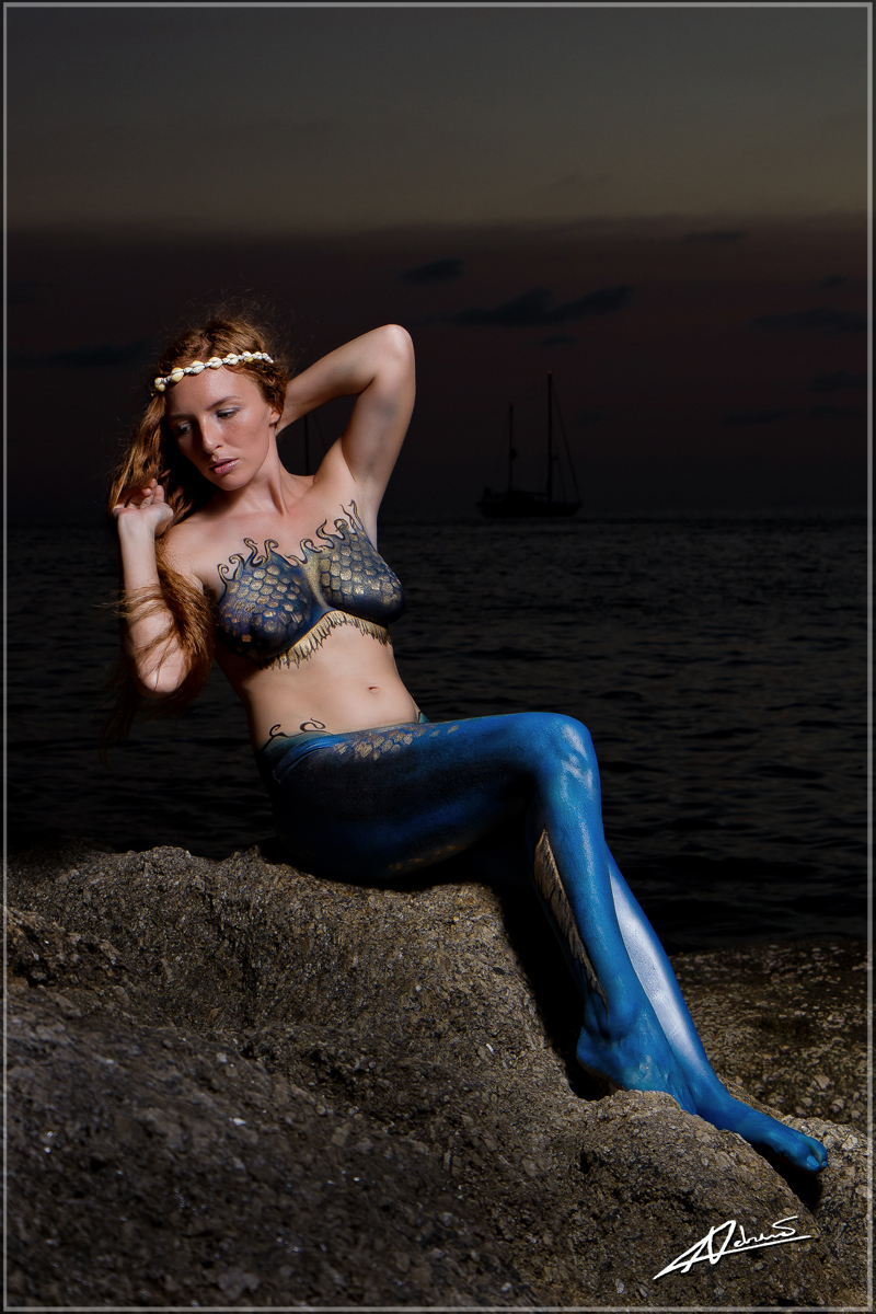 Melanie BodyPaint-4lores.jpg