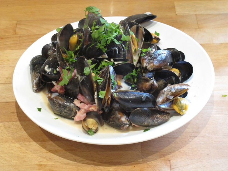 mussels and bacon.jpg