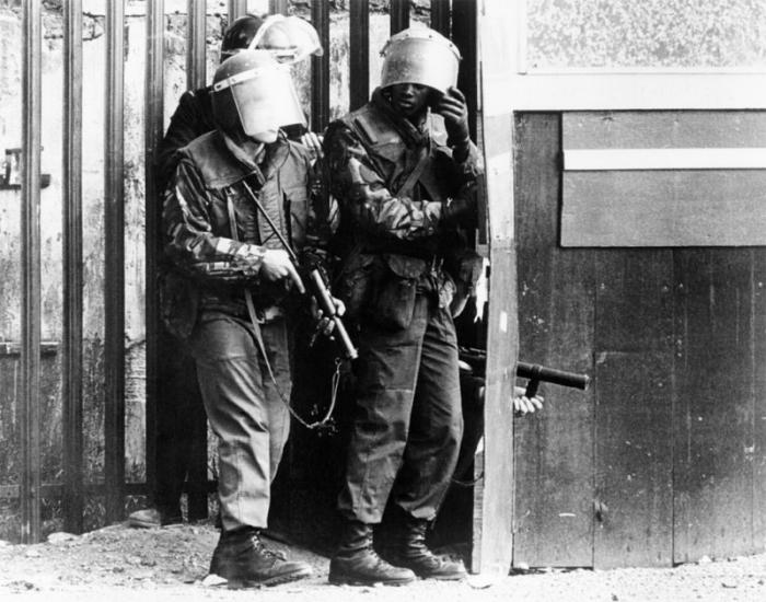 northern-ireland-troops.jpg