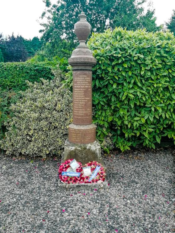 Pentre War Memorial (2) (Custom).jpg