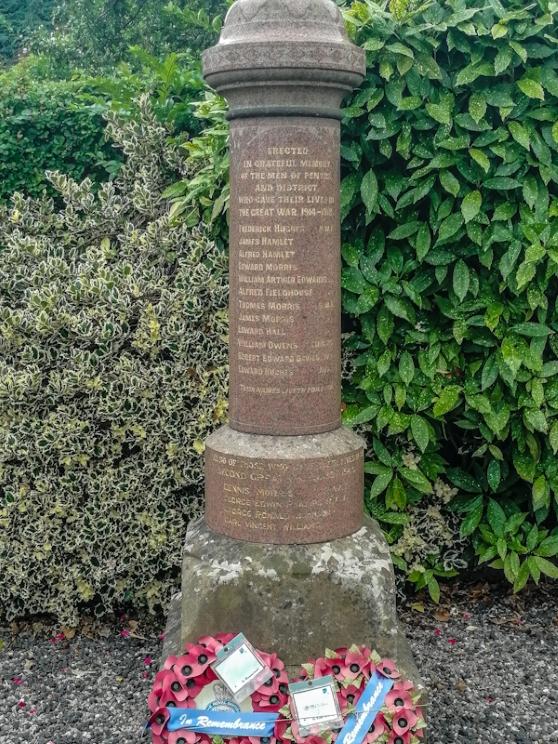 Pentre War Memorial (3) (Custom).jpg
