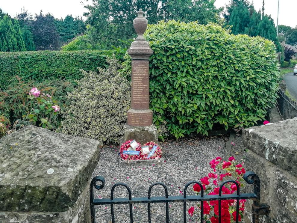 Pentre War Memorial (4) (Custom).jpg