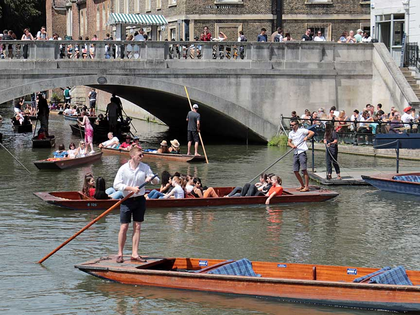 Punting on the Cam.jpg