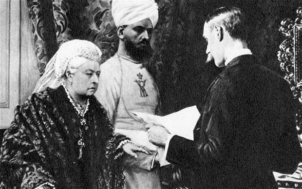 Queen Victoria and Abdul Karim 1894 -2.jpg