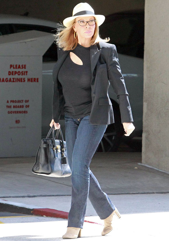 Raquel-Welch-age-young-now-cleavage-jumper-jeans-977784.jpg