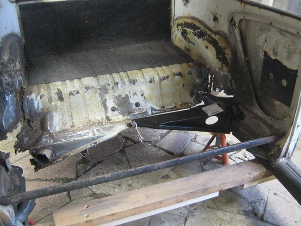 rear cross member clamped in place.png