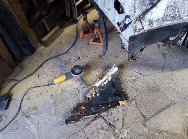 rear inner cut off.png