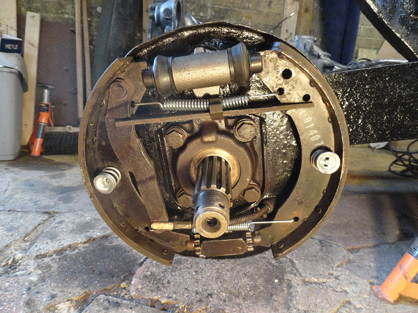 refitted rear right brake shoes.png