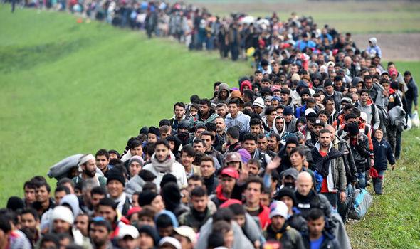 refugees-623651.jpg