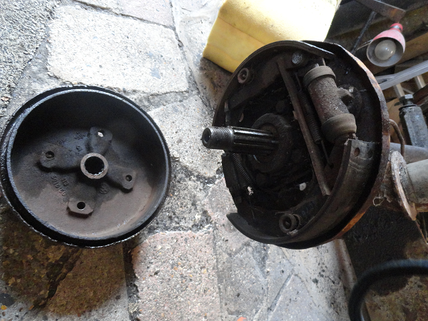 removing the brake drum.png