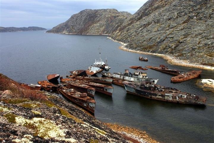 russian-naval-graveyard-3 (Small).jpg