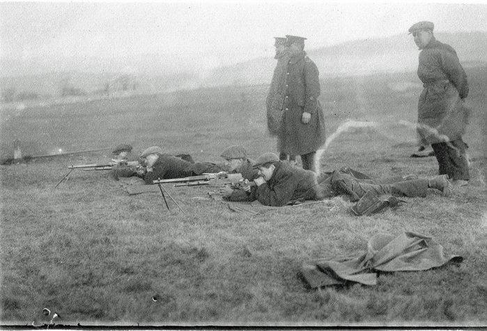 Scout Scar rifle range  early  un uniformed   volunteers.jpg