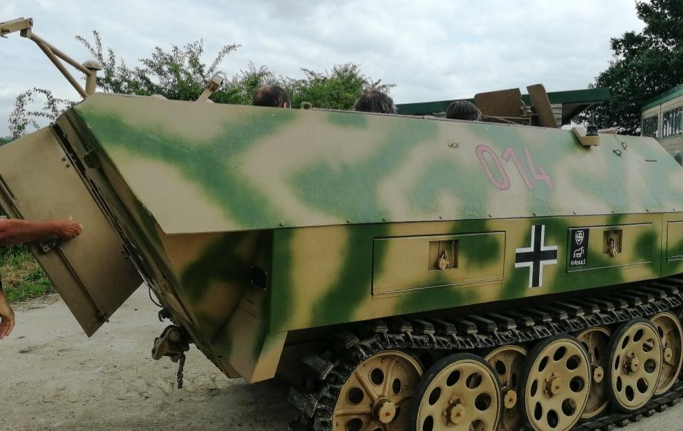 Sdkfz251D (24) (Custom).jpg