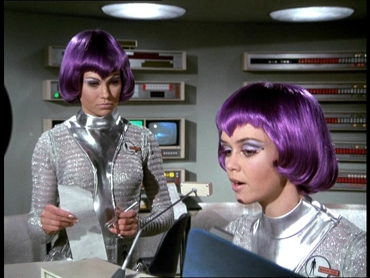 shado-ufo-girls-moonbase-10.jpg