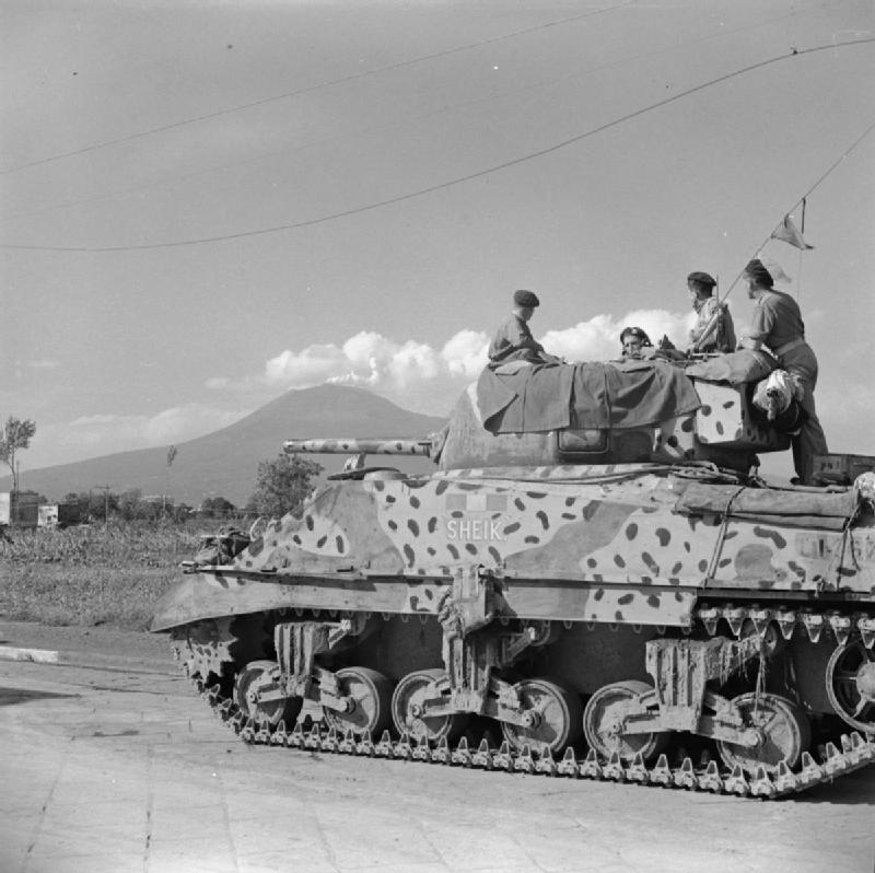 Sherman-tank-named-Sheik-of-the-Scots-Greys-with-distinctive-camouflage-29-September-1943.jpg