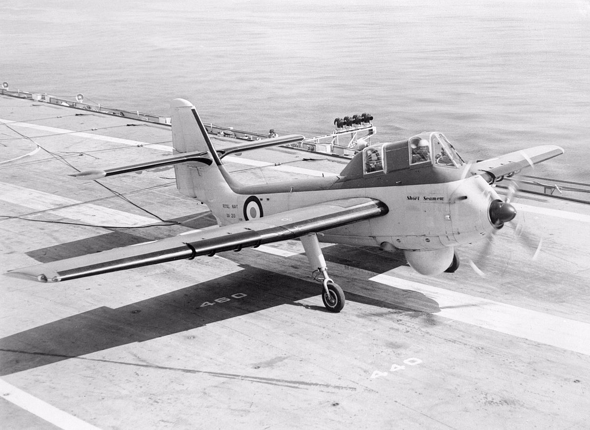Short_Seamew_landing_on_HMS_Bulwark_(R08)_1955.jpg