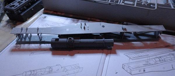 side plates attach to gun mech.jpg