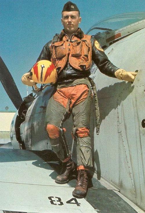 skyraiderpilot.jpg