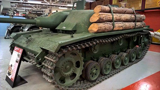 Stug-III-40-ausf-g-tank-destroyer-bovington-museum-logs.jpg