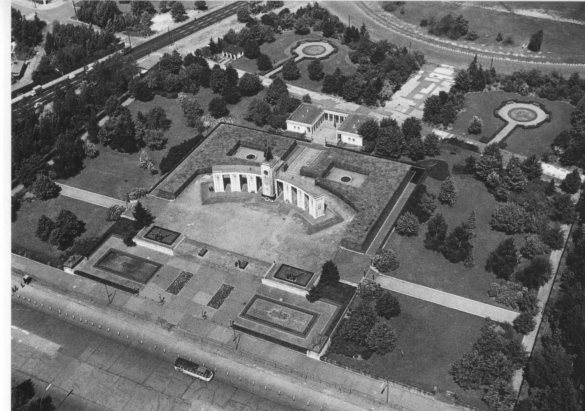 su_berlin_tiergarten-memorial_0001.jpg
