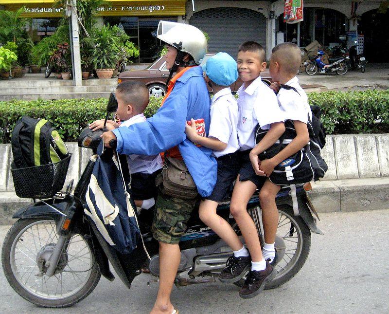 thai moped.jpg