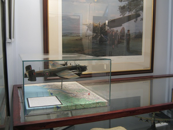 the model at Tangmere..jpg