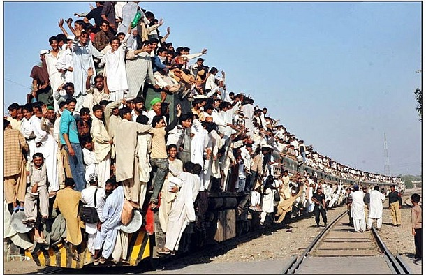 the-most-crowded-train.jpg