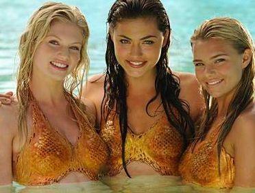 the-new-mermaids-h2o-just-add-water-8575376-372-281.jpg