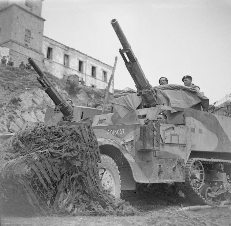 The_British_Army_in_Italy_1944_NA14653.jpg