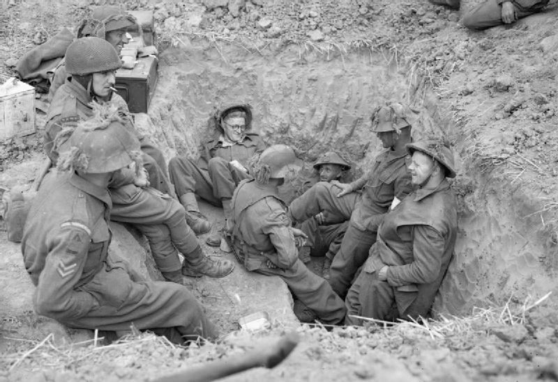 The_British_Army_in_Normandy_1944_B6760.jpg