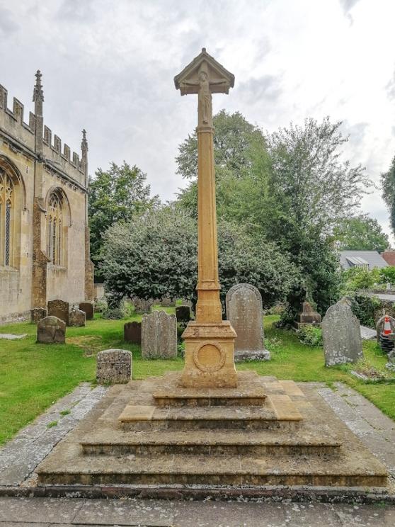 Thornbury – St Mary's Church, War memorial (1) (Custom).jpg