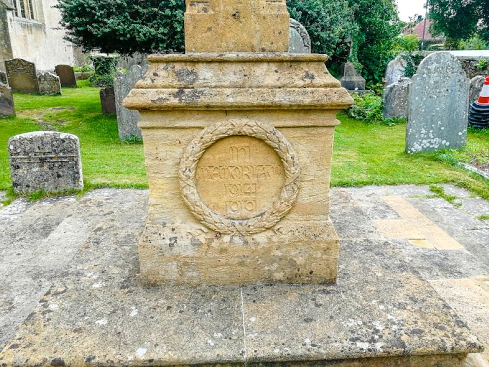 Thornbury – St Mary's Church, War memorial (3) (Custom).jpg