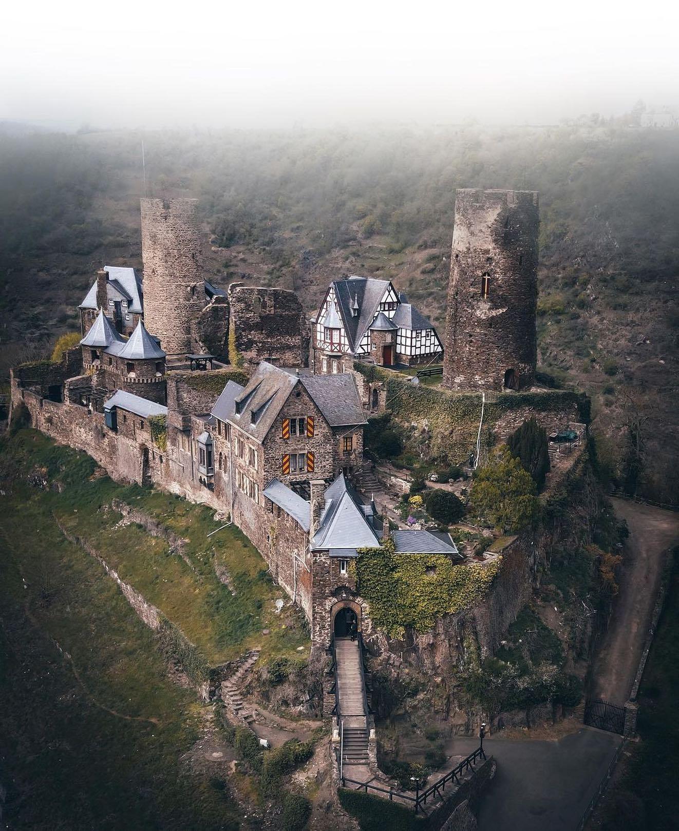 thurant castle.jpg