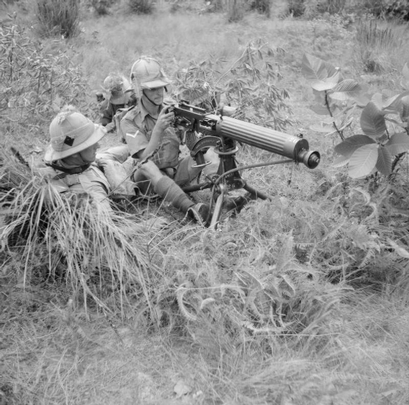 Vickers_machine-gun_of_the_1st_Manchester_Regiment.jpg