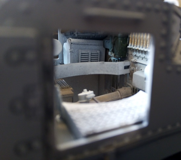 view into hull through side hatch left mob .jpg