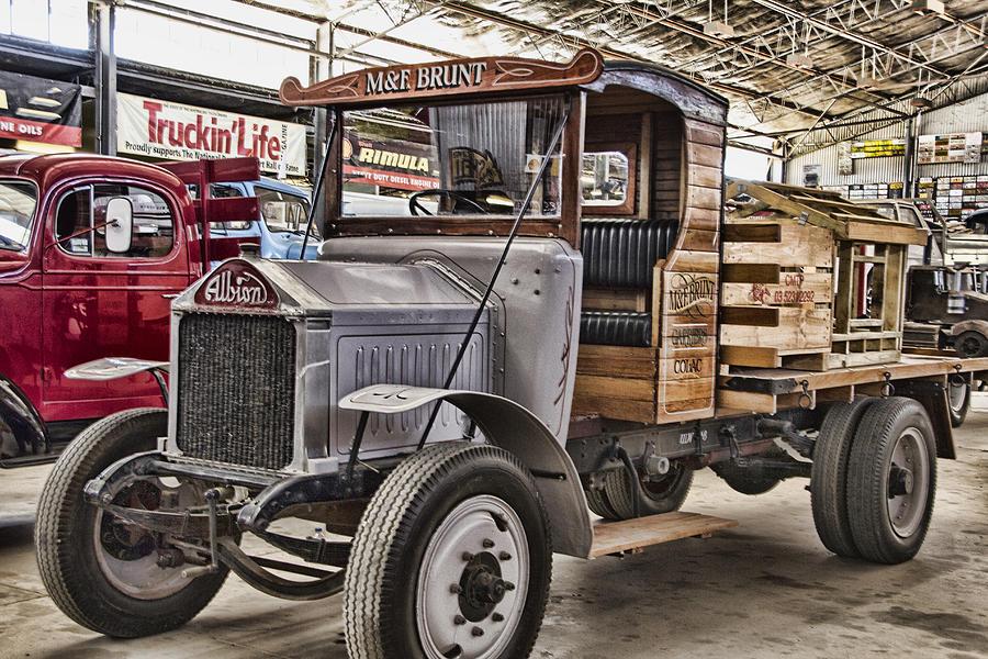 vintage-albion-truck-douglas-barnard.jpg