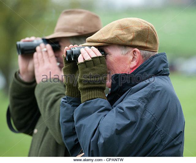 watching-horse-racing-with-binoculars-cpantw.jpg