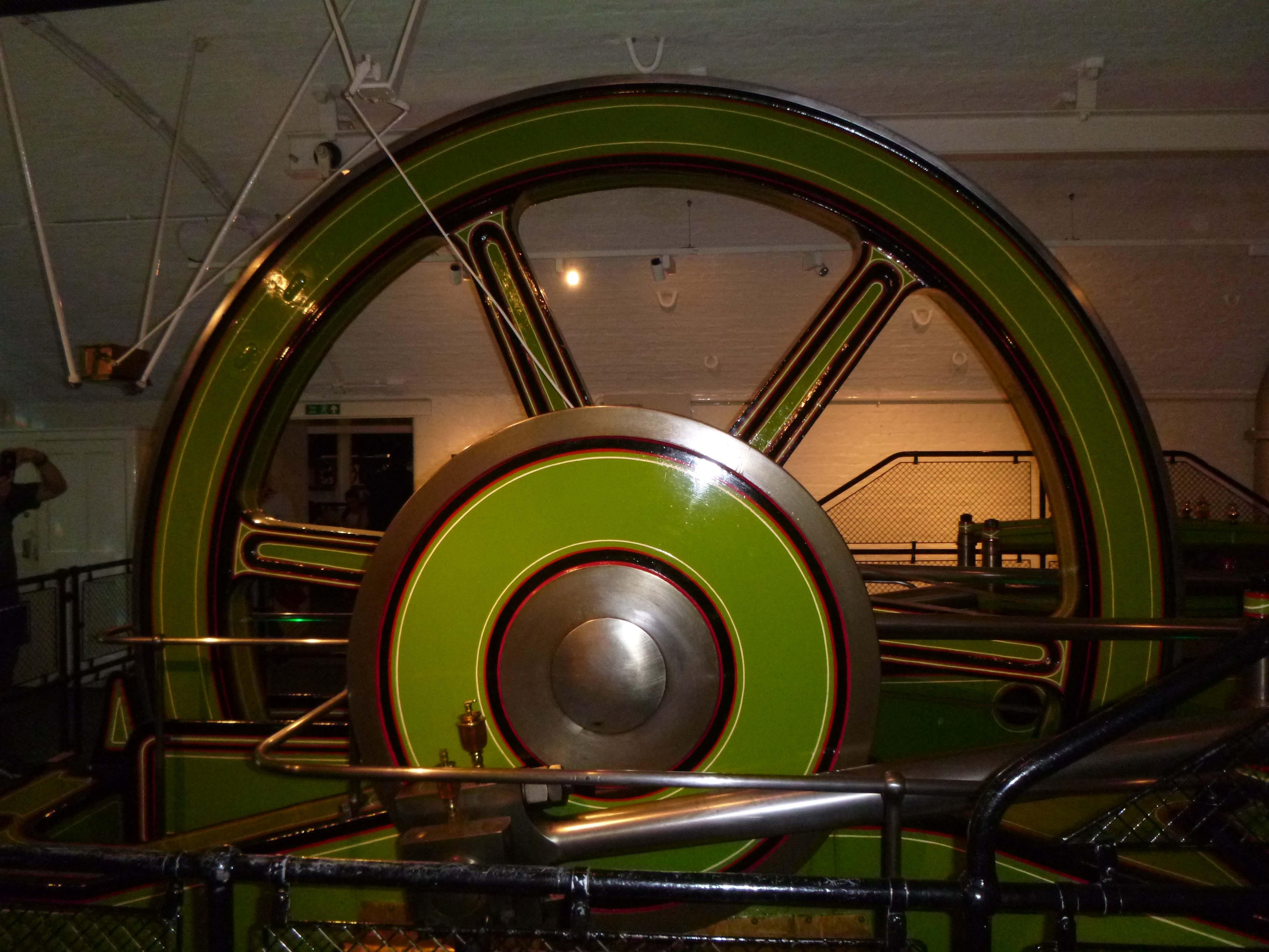 wheel and con rod.jpg