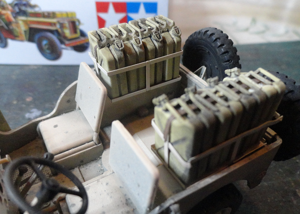 wheel arch jerrycans.png