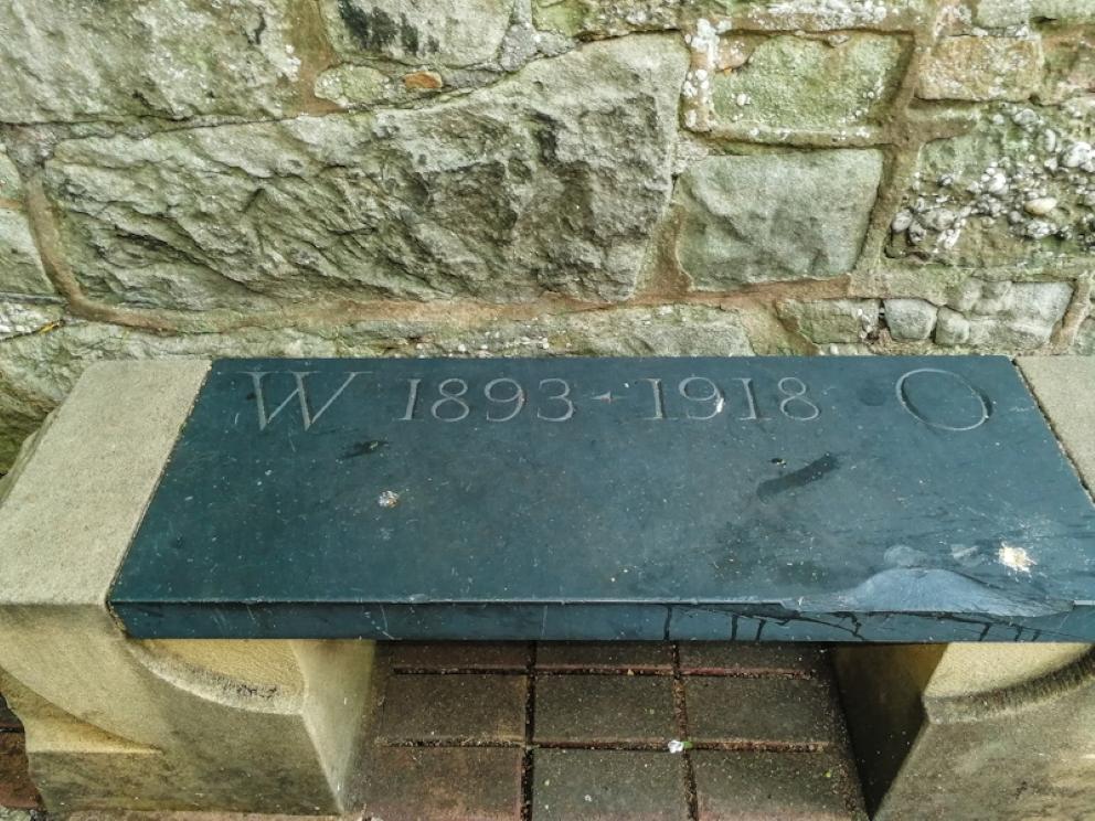 Wilfred Owen Memorial (1).jpg