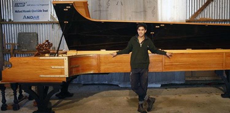 World-Largest-Piano-750x369.jpg