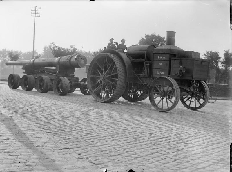 WW1 British tractor.jpg
