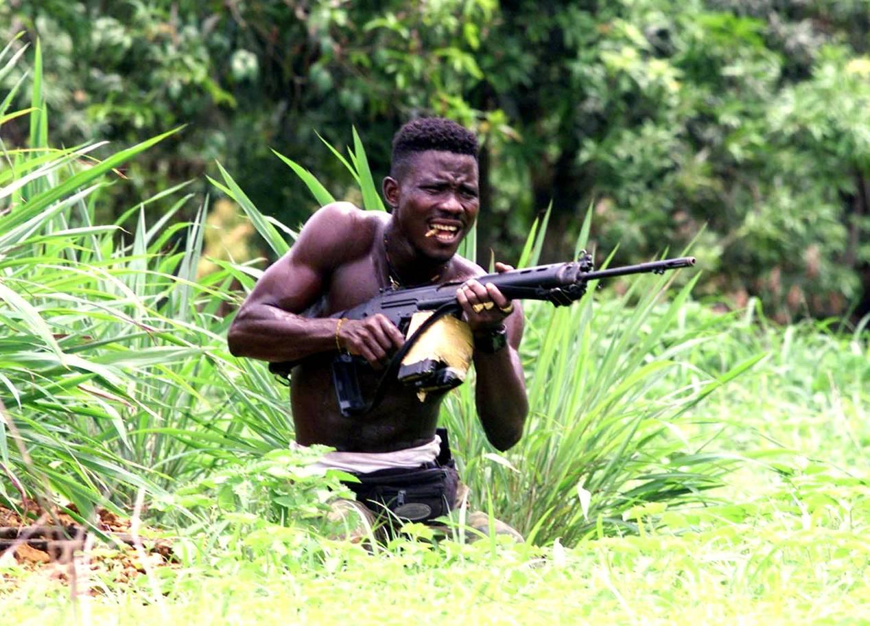 Yannis-Behrakis-photos-42 Sierra Leone 2000.jpg